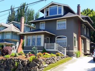 Capitol Hill - Vintage 1907 home - Great location, Seattle