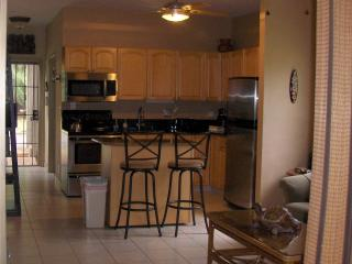 Let This Gorgeous Condo Dazzle You...., Lahaina