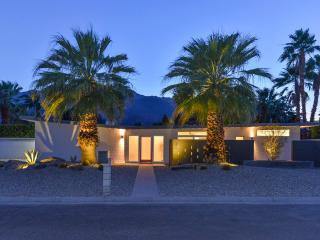 New Mid Century Modern Escape!, Palm Springs