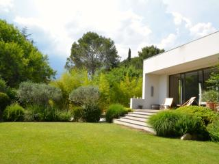 Architectural Villa with pool in Montpellier