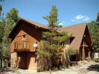 Cowboys, Indians and Outlaws is a fun 3 bedroom 2 bath vacation getaway., Ruidoso