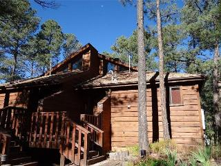 Double Shot Cabin is a nice two story duplex located at the front of Alto.