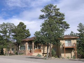 Sundance is a very upscale five bedroom home located in a gated area., Ruidoso