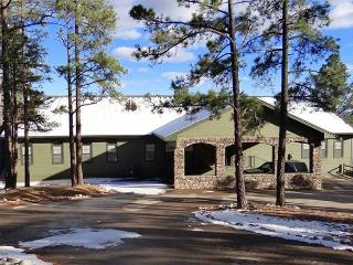 Alpine Village Lodge is luxurious secluded five bedroom 3.5 bath home., Ruidoso