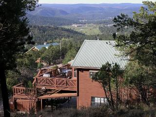 Lindley's Valley View is a beautiful 3 bedroom 2.5 bath perfect getaway., Ruidoso