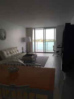 Luxury 2bd Suite on the South Beach, Miami