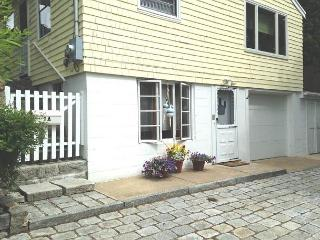 Rockport Yellow Cottage: Quiet cottage in the heart of Rockport