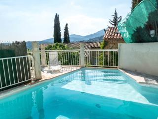 Villa Provence, Pet-Friendly Rental with Hot Tub,, Fayence