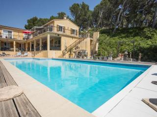 Villa la Pinede & heated pool, Maussane-les-Alpilles