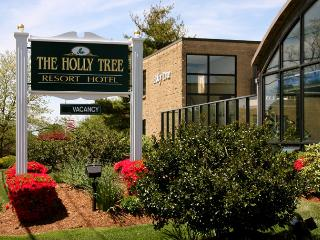 Holly Tree Resort Hotel, May 05 to 12, West Yarmouth