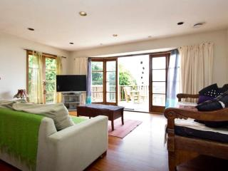 3 bed stunner with lovely views, Wellington