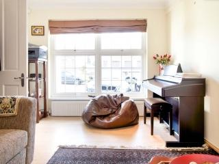 4 bed house, Wonford Close, Kingston, Kingston upon Thames