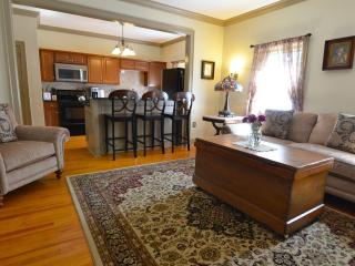 Gorgeous and Spacious two bedroom apartment, Saratoga Springs