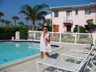 Beautiful St. Pete Beach Condo, St. Petersburg