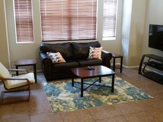 Newly Decorated 2BR, Near Airport, Phoenix