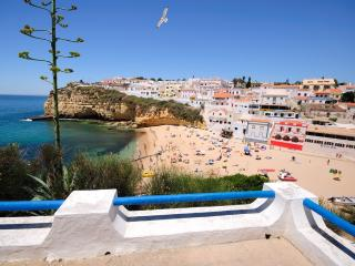 House at Carvoeiro beach - 1 min walking to beach!