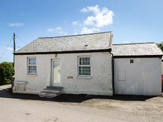 WINGANNA, former Shire horse stable, character features, off road parking, walks from the door, in St Ishmaels, Ref 925216