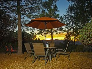 Pine Hill Guest House - Midpines :  Yosemite