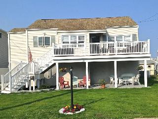 NEWLY RENOVATED - CHARMING, BRIGHT & AIRY BEACH  HOUSE, Brigantine