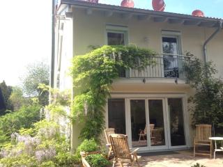 Vacation Apartment in Starnberg - 1668 sqft, comfortable, bright, friendly (# 8552)