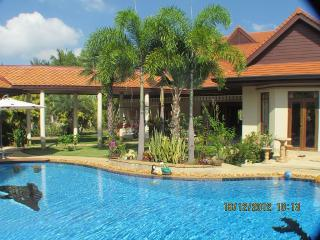 Tropical Large Garden Private Swimming Pool, Pattaya