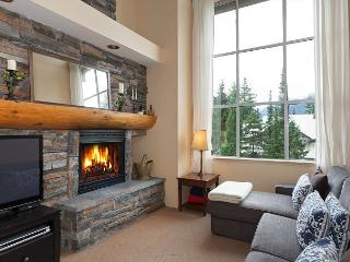 Stoneridge #9  | 3 Bedroom Townhome with Ski-in Access, Private Hot Tub, Whistler