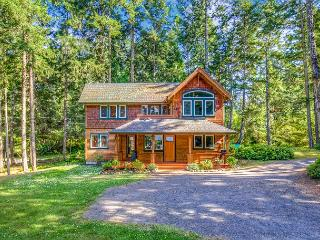 Beautifully finished Fish Hook Lake House near Lakedale Resort!, Friday Harbor