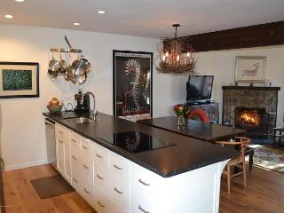 Newly renovated Teton Shadows Town Home - Close to Jackson Hole Golf & Tennis