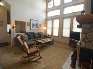 Nice 2 BR-3 BA Condo in Mammoth Lakes (#876 Par Court)