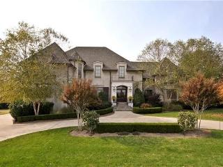 Luxurious 5 Bedroom home located in the beautiful, Nashville