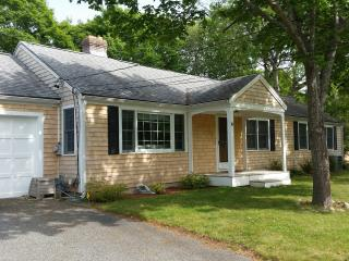 5 Bedroom Ranch Sleeps 14 with A/C, West Yarmouth