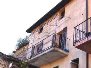 COUNTRY HOUSE WITH BALCONY, Valloria