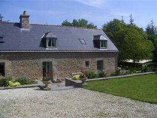 The Lodge, Peaceful Rural Cottage sleeps 4/6, Pontivy