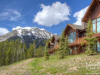 Luxury & Views! Close to Yellowstone, Ski-In/Out + Pool Access Year Round!, Big Sky