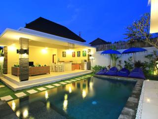 Luxury Seminyak Legian Shop, Dine, & Walk to Beach