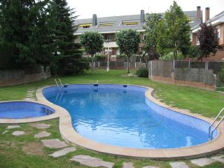 Quiet family house - Easy access to Barcelona, Sant Cugat del Valles
