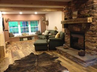 Rockhaven Home Beautiful woods setting Relax, Newark