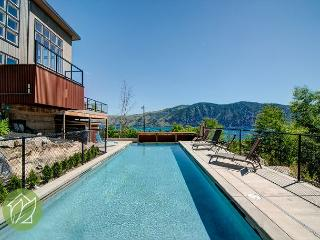 Totem Pool House by Sage Vacation Rentals, Manson