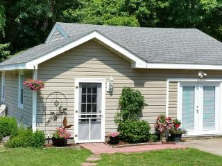 Inexpensive  Bungalow near Sandbridge Beach, Virginia Beach