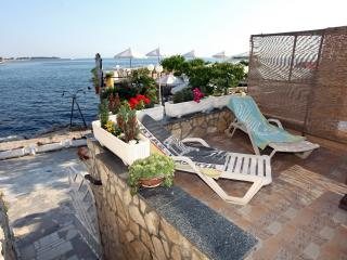 ES1 Lovely Apartment at the Beach, Umag