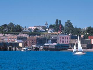 JULY SPECIAL!!! Lovely Victorian Home, Port Townsend