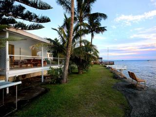 SUNSET PALMS, 4 MIRIMAR ST, AMITY POINT, Amity