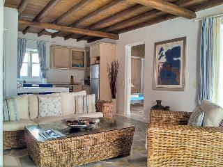 Beautiful & calming residence with swimming pool, Ornos
