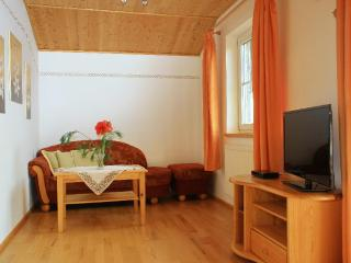 LLAG Luxury Vacation Apartment in Boebing - 68587 sqft, idyllic, relaxing, comfortable (# 4649), Peissenberg