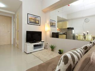 Beautiful Cozy Furnished Condo with great views!, Quezon City