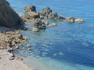 Family apartment secluded by the beach for 4 ppl, Agios Ioannis