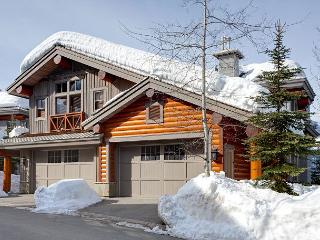 Taluswood The Heights 18   3 Bedroom Ski-in/Ski-out Townhome, Private Hot Tub, Whistler