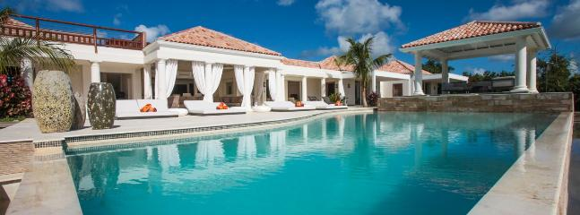 Villa Agora SPECIAL OFFER: St. Martin Villa 59 A Modern And Spacious Villa Overlooking The Caribbean Sea. This Brand New Villa Was Tastefully Designed., Terres Basses
