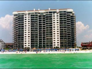 Gulf Front~Private Balcony-Sundeck 2 Bedrooms~Sleep 8~ Watercrest 1102, Panama City