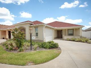 Best model courtyard villa close to Brownwood Square- complimentary golf cart, The Villages